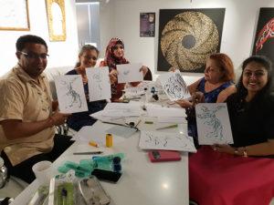 Dubai - Aula aberta de Caligrafia Árabe por Hicham Chajai